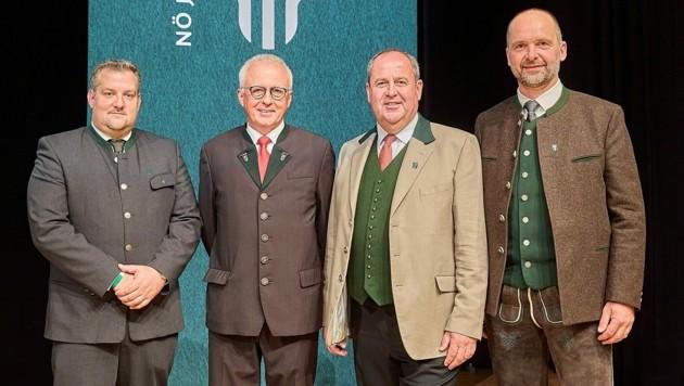 Neues Präsidium (v.l.n.r.): Landesjägermeister Josef Pröll (2.v.r.) und seine neuen Stellvertreter Gerald Friedl, Johannes Unterhalser und Franz Hochholzer. (Bild: Georges Schneider)