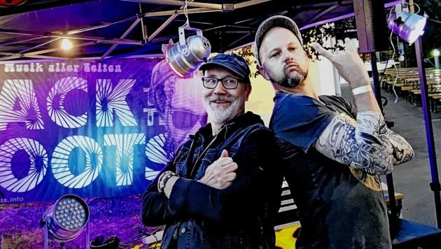 Pfarrer Stefan Grauwald (re.) und Rock-DJ Nick Wukovits. (Bild: Grauwald)
