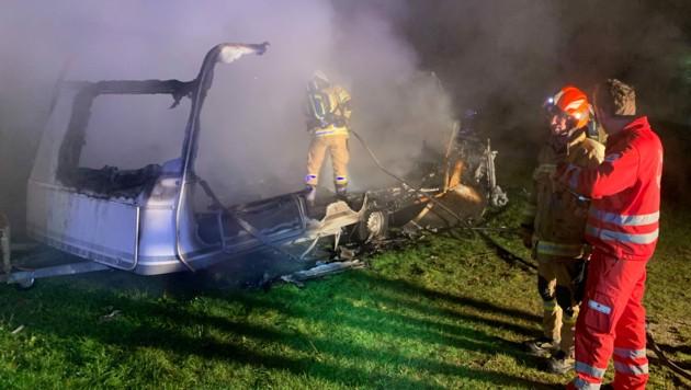 Die Feuerwehr Walchsee löschte den Brand. (Bild: zoom.tirol)