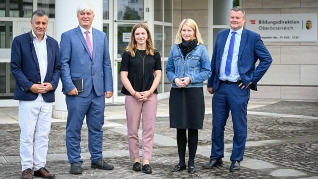 Von links: Bildungsdirektor Alfred Klampfer, Joris Gruber (Landesverband der Elternvereine), Susanna Öllinger (AHS-Landesschulsprecherin), LH-Vize Christine Haberlander, Tilman Königswieser. (Bild: Alexander Schwarzl)