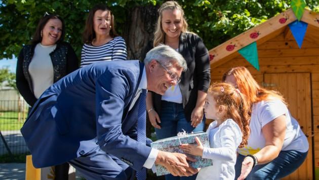 """Mit Kindergartenreferent Peter Kaiser wurde gestern, Dienstag, die Kindertagesstätte """"Solcito"""" endlich eröffnet. (Bild: LPD Kärnten/Wolfgang Jannach)"""