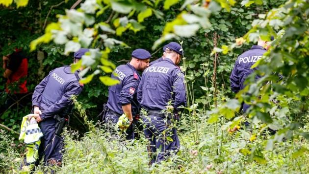 Suchaktion der Polizei fokussiert sich jetzt wieder auf den Lugau (Bild: Tschepp Markus)