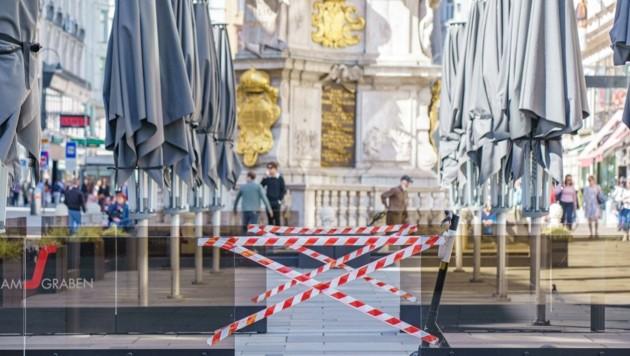 Schlechte Erinnerungen - und der Horror, wenn es den Stich gar nicht gäbe: Lockdown, Durchseuchung, Tod (Bild: Vienna Press / Andreas TISCHLER)