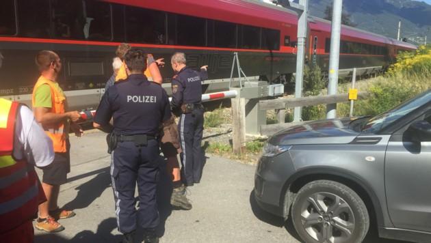 Nach dem Unfall war die Strecke eine Stunde gesperrt (Bild: Zoom.Tirol)