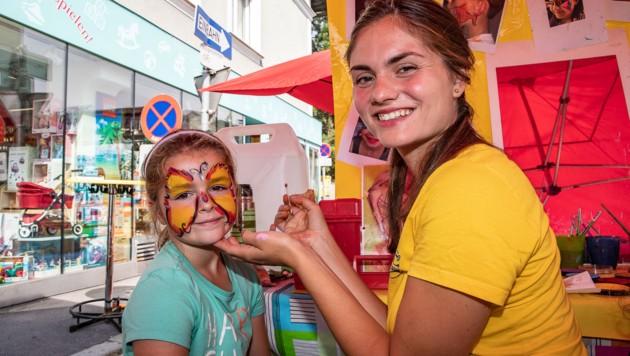"2019 stand u.a. am Programm des ""Autofreien Tags"" in Maxglan Kinderschminke. (Bild: Daniel Einy)"