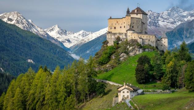 Schloss Tarasp im Unterengadin im Schweizer Kanton Graubünden (Bild: ©Chris - stock.adobe.com)