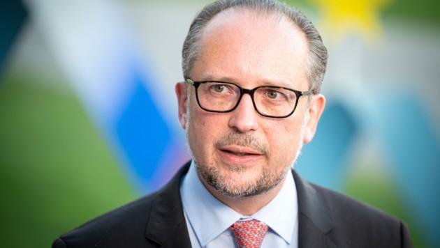 Außenminister und wohl nächster Kanzler: Alexander Schallenberg (Bild: AFP)
