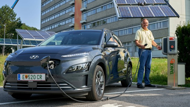 """""""Wir wollen E-Mobilität greifbar machen"""", so Jungbauer (Bild: RaMaR_Pictures/Ramona Marinits )"""