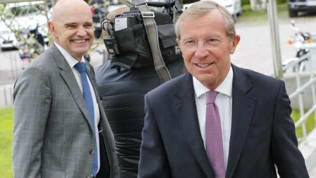 Landeshauptmann Wilfried Haslauer (re.) dürfte Christoph Takacs (li.) offenbar die Unterstützung entzogen haben. (Bild: Tschepp Markus)