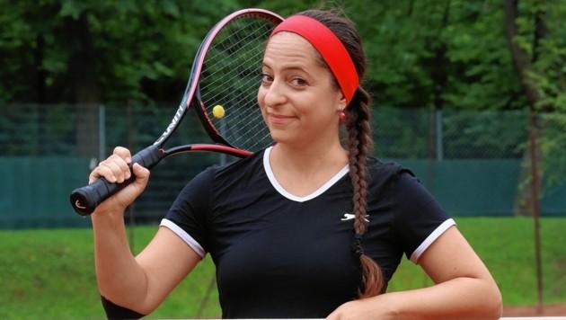 """Caroline Athanasiadis beim """"Tennistreff Oswald"""" im Wiener Prater - vor zwei Jahren hat sie die Tennis-Leidenschaft gepackt. (Bild: Zwefo)"""