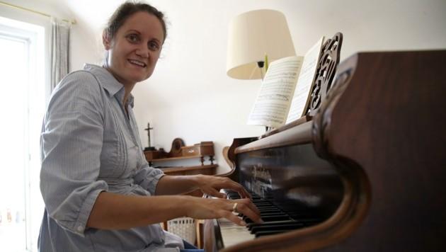 Schwanger, ungeimpft und beim Adventsingen ausgebootet: Musikerin Simone Vierlinger (Bild: Tröster Andreas)