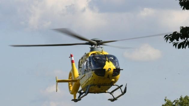 Der Verletzte wurde per Hubschrauber zum LKH Graz geflogen (Symbolbild) (Bild: P. Huber)