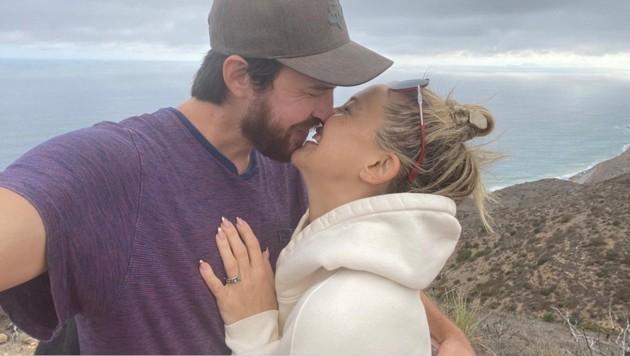 Kate Hudson macht auf Instagram ihre Verlobung mit Danny Fujikawa öffentlich. (Bild: instagram.com/katehudson)