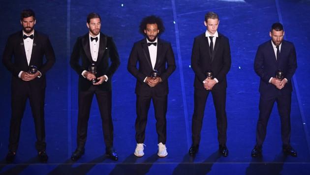 v.l.: Alisson Becker, Sergio Ramos, Marcelo, Frenkie De Jong, Lionel Messi (Bild: AFP)