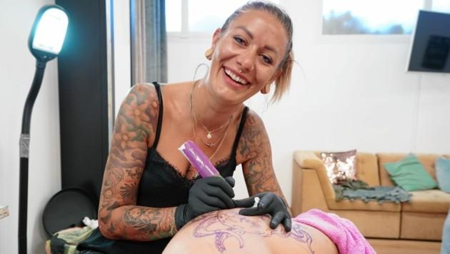 Caty Bee aus Fürstenfeld hat alle Hände voll zu tun. (Bild: Sepp Pail)