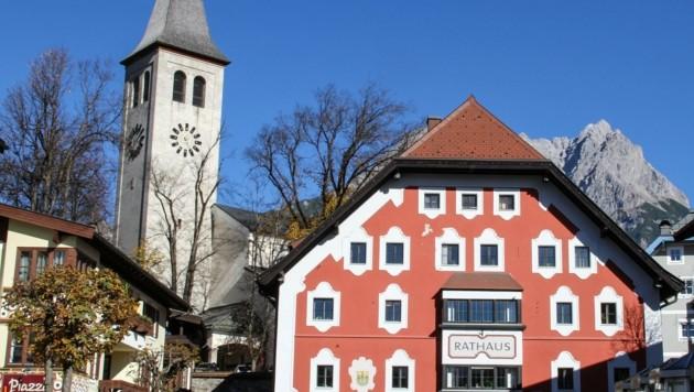 In Saalfelden im Pinzgau haben sich bis zum jetzigen Zeitpunkt 60,3 Prozent der Bevölkerung gegen das Coronavirus vollimmunisieren lassen. (Bild: Melanie Hutter)