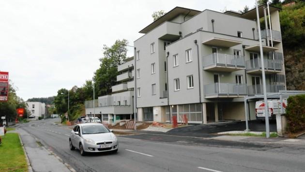 An der Mariatrosterstraße wird jedes freie Fleckerl für Wohnbauprojekte genutzt. (Bild: Christian Jauschowetz)