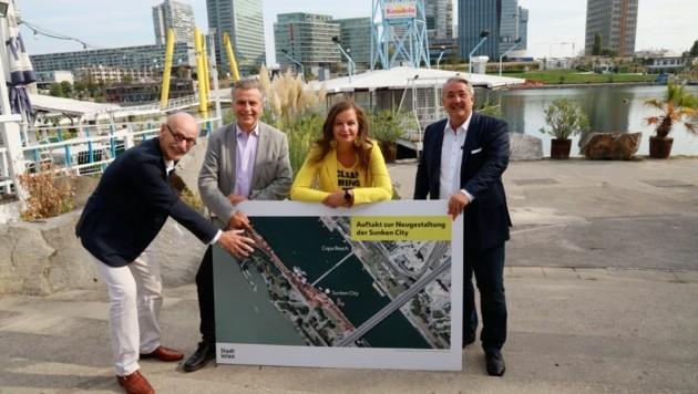 Architekt Albert Wimmer, SPÖ-Klubchef Josef Taucher, Stadträtin Ulli Sima und Bezirkschef Ernst Nevrivy freuen sich auf Ideen für 13.000 Quadratmeter der Sunken City. (Bild: Zwefo)