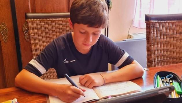 Der 12-jährige Luca musste wie seine Klassenkollegen bereits am dritten Schultag in eine zehntägige Quarantäne. (Bild: Zvg)