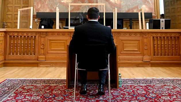 Der angeklagte Fitness-Unternehmer (46) (Bild: APA/BARBARA GINDL)