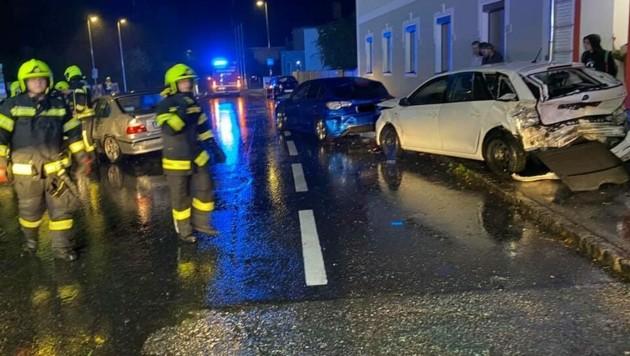 Beim Unfall in Weyer gab´s gewaltigen Blechsalat (Bild: FF Weyer)