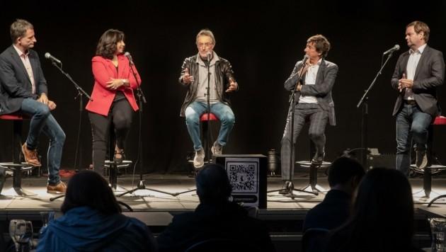 NR Hermann Weratschnig (Grüne), NR Selma Yildirim (SPÖ), Heinz Mayer (Anti-Korruptionsvolksbegehren), NR Johannes Margreiter (Neos) und LA Markus Abwerzger (FPÖ) (v.l.) (Bild: Christian Forcher)