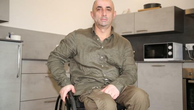 Qais Noori musste in Afghanistan mitansehen, wie unschuldige Menschen erschossen wurden. (Bild: Hronek Eveline)