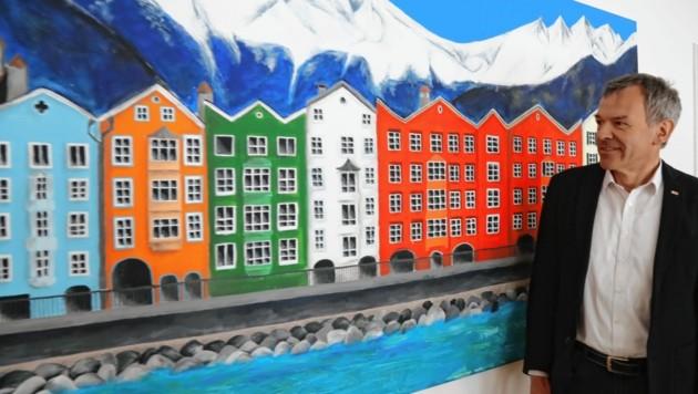 Bürgermeister Willi hat kein Problem mit Hochhäusern, mit Leerstand aber schon (Bild: Christof Birbaumer / Kronenzeitung)