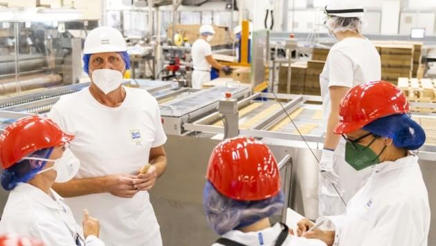 5000 Tonnen Schokoladen- und Waffelprodukte werden pro Jahr in dem Werk in Breitenbrunn produziert. (Bild: MARTIN STEIGER)