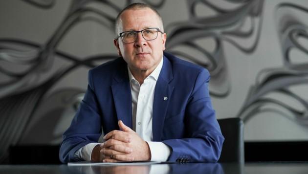 Die FACC - hier Vorstandschef Robert Machtlinger - winkt bei Antikörpertests auf Firmenkosten ab. (Bild: Markus Wenzel)