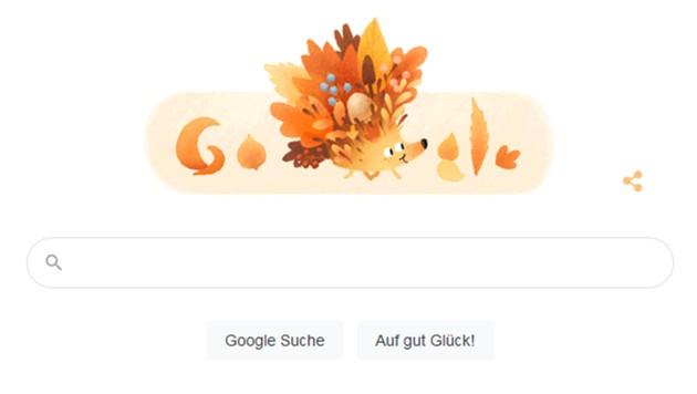 Wer auf das Google-Logo zum Beginn der Herbstzeit klickt, bekommt im Browser buntes Blattwerk zu sehen. (Bild: Google)