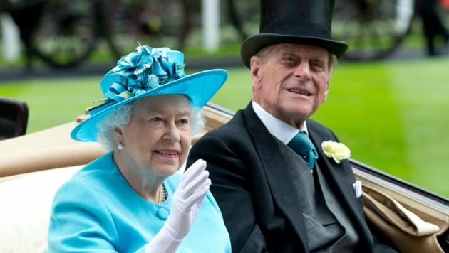 Queen Elizabeth II. und Prinz Philip (Bild: APA/AP Photo/Alastair Grant)