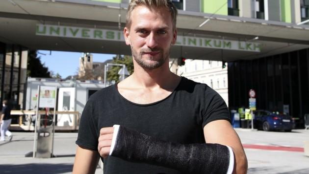 Lukas Schubert nach der Kontrolle im Uni-Klinikum. (Bild: Tröster Andreas)