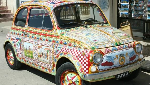 Sehr aufwendig, jedoch einzigartig, ist die Gestaltung des kleinen Fahrzeuges, das dadurch zu etwas Besonderem wird. (Bild: Pixabay.com © JohannBargeld)