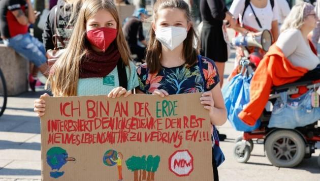 Lautstarker Protest in Salzburg (Bild: Tschepp Markus)