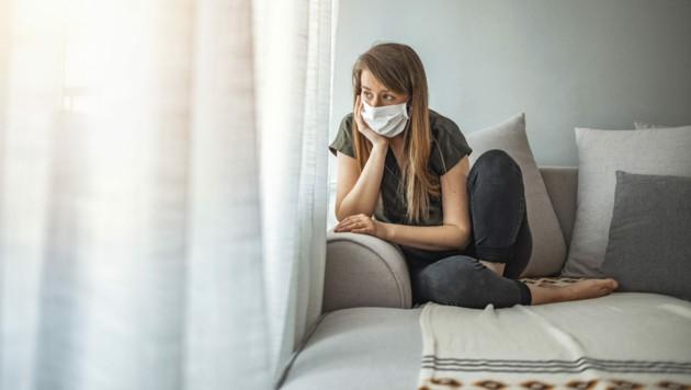 """K1-Kontaktpersonen müssen künftig nur noch zehn Tage in Quarantäne und sie können sich nach fünf Tagen """"freitesten"""". (Bild: ©Dragana Gordic - stock.adobe.com)"""