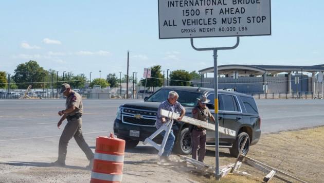 Die texanische Polizei öffnete den Grenzübergang nach Mexiko wieder. Das Camp in Del Rio wurde aufgelöst. (Bild: AFP)