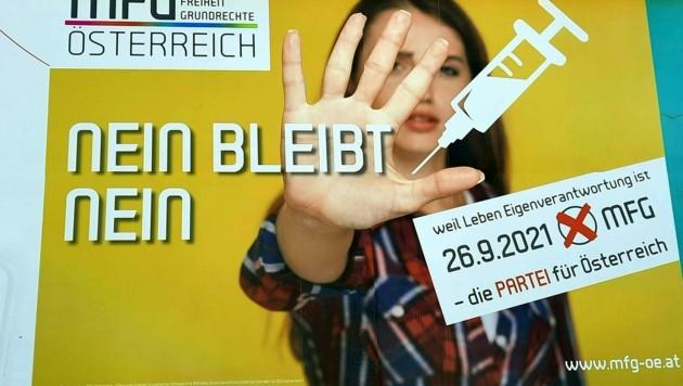 """Die impfskeptische Liste """"Menschen Freiheit Grundrechte Oberösterreich"""" (MFG OÖ) zog aus dem Nichts klar in den oberösterreichischen Landtag ein. (Bild: APA/ULRIKE INNTHALER)"""