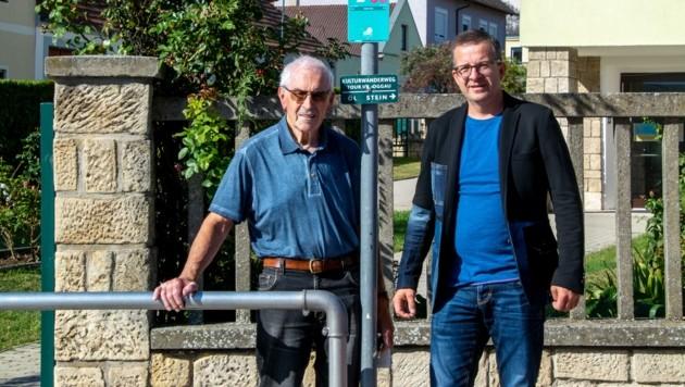 Rudolf Rainprecht und Bürgermeister Thomas Schmid in der Matthias Weißenböckgasse. (Bild: Charlotte Titz)