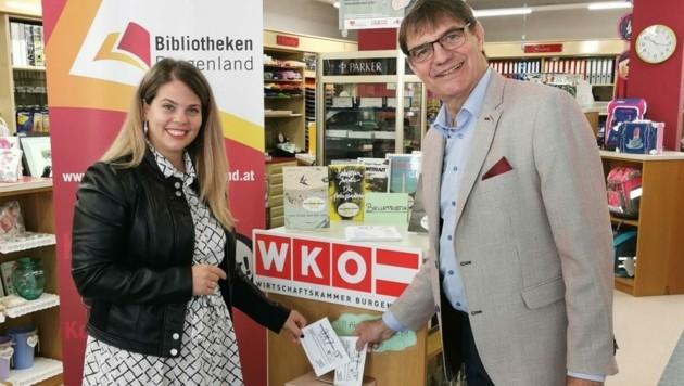Claudia Priber vom Kulturreferat Burgenland und Buchhändler Gunter Drexler haben bereits abgestimmt. (Bild: zVg)