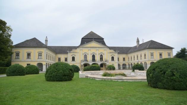 Im rechten Trakt des Schlosses wird im Untergeschoss die Gemeinde einziehen. (Bild: Charlotte Titz)