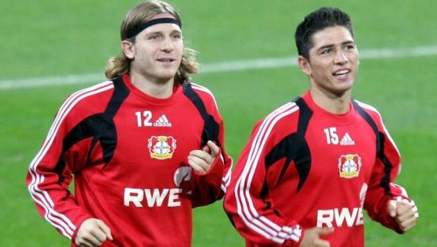 Sezer Öztürk (rechts) im Dress von Bayer Leverkusen im Jahr 2004 (Bild: AFP)