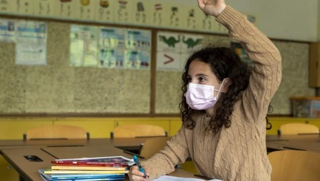 Schulbesuch trotz K1: Seit zehn Tagen gilt eine neue Vorgabe (Symbolfoto). (Bild: Brenek Malena)