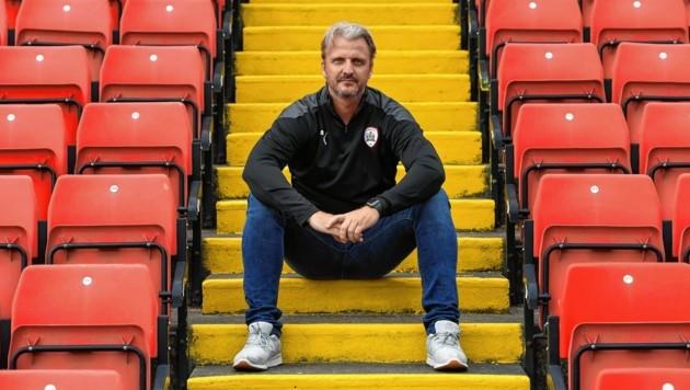 Markus Schopp hofft in Barnsley auf einen Sieg. (Bild: Keith Turner)