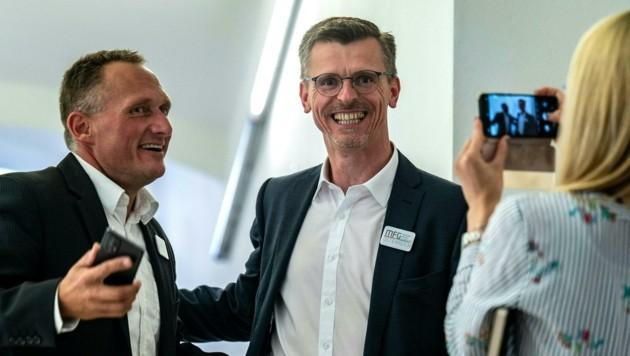 Gerhard Pöttler (li.) mit dem oberösterreichischen Spitzenkandidaten Joachim Aigner (Bild: TEAM FOTOKERSCHI)