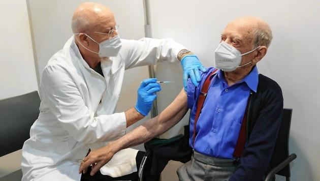 Die Impfungen laufen weiter (Bild: Christian Jauschowetz)