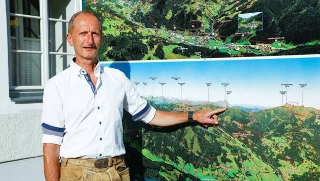 Auch Bürgermeister Johann Rohrmoser (ÖVP) verfolgt das Projekt. (Bild: Gerhard Schiel)