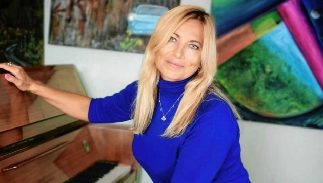 Heute lebt Natalie Lev in Klagenfurt und am Ossiacher See, malt Bilder oder spielt Klavier. (Bild: Natalie Victoria)