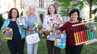 Initiatorin Elfi Holzinger (re.) unterstützt mit ihren Helferinnen Menschen in Finanznöten (Bild: Judt Reinhard)