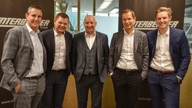 Gerald, Fritz, Dieter und Florian Unterberger (v.l.) mit Josef Gruber in ihrer Mitte. (Bild: Hubert Berger)